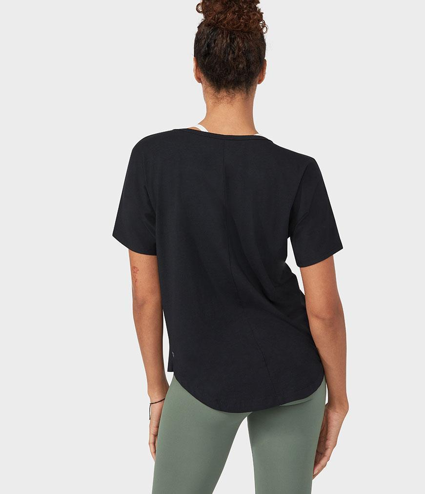 Manduka Enlight relaxed top čierny